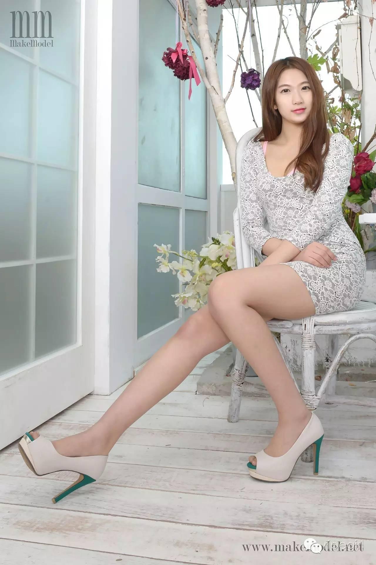 makemodel [韩国makemodel系列]SUJI灰色蕾丝衫写真