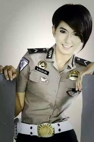 各国女警察 - 一炮手 - 一炮手的杂志型编撰博客