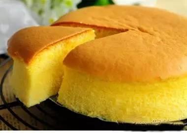 用电饭锅做蛋糕原来这么简单!保存好,做给家人吃!