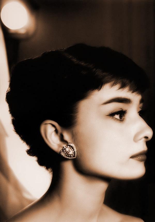绝版典藏<wbr>|<wbr>史上最全奥黛丽·赫本照片集。
