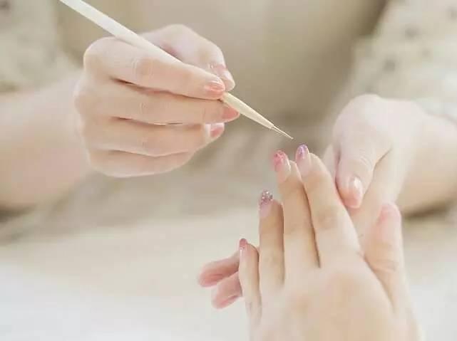 指甲又薄又軟怎麼辦?
