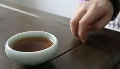 """千万别在喝茶的时候失礼。喝茶暗语,你知道多少? - suay123""""阿庆嫂"""" - 阿庆嫂欢迎来自远方的好友!"""