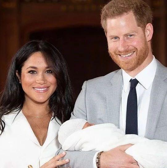 哈里梅根正式退出英国王室身份!女王祝福