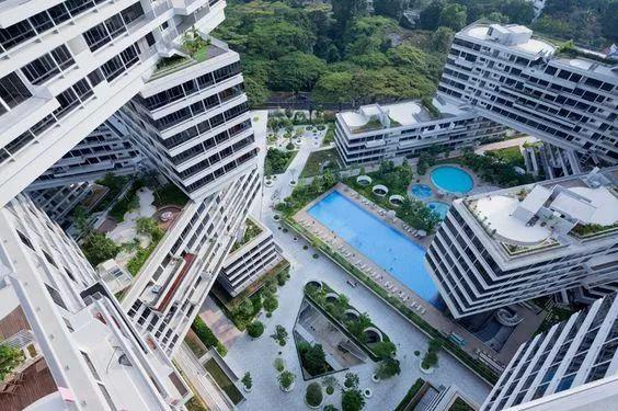 31栋住宅楼,每栋6层高,以六边形的格局相互联结叠加,构成6个大尺度的图片