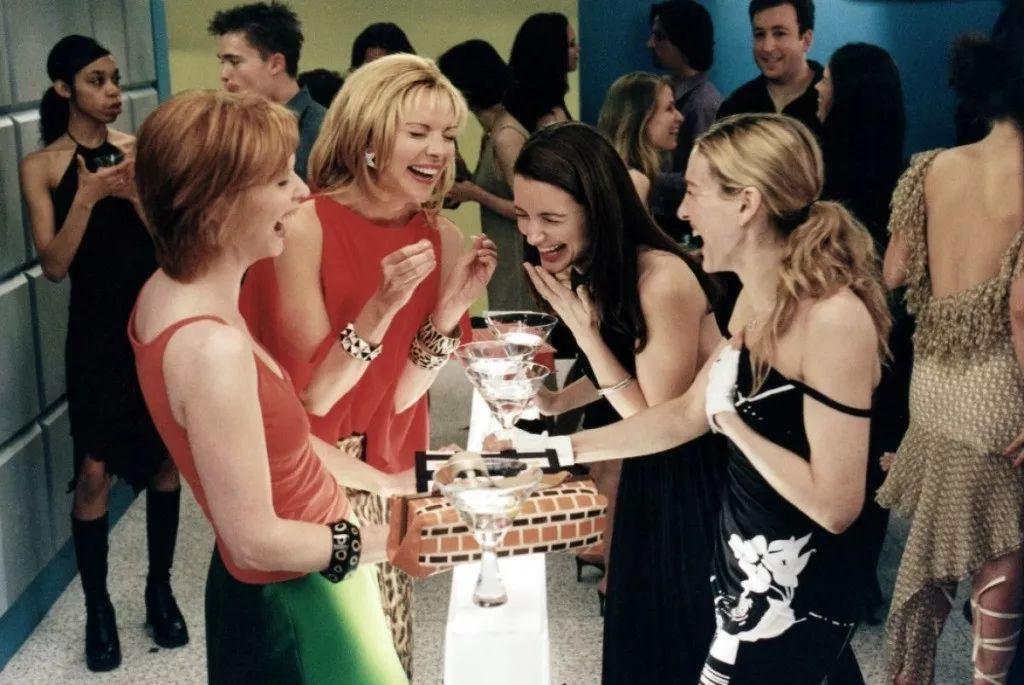 女生穴欲望�_要知道早在1998年, 《欲望都市》就开始将各种时尚元素带进了剧集.