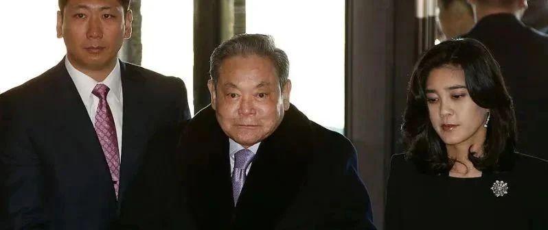"""三星家族掌舵者李健熙去世:揭秘韩国最强大""""李氏王朝"""""""