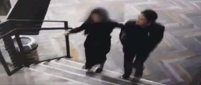 惊天逆转?刘强东案女主疑似主动邀请进公寓??先别急着喊仙人跳实锤....