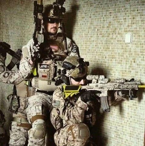 【战术新观点】其实传统的四人小队CQB,已经不能发挥很好的作用了!强推!