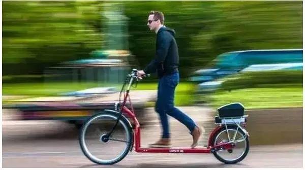 荷兰人发明走路自行车,走一步飞米