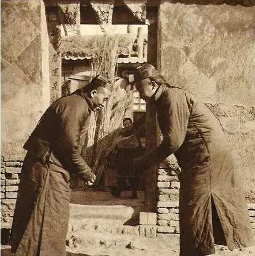 100年前的老照片告诉你,中国过年什么样
