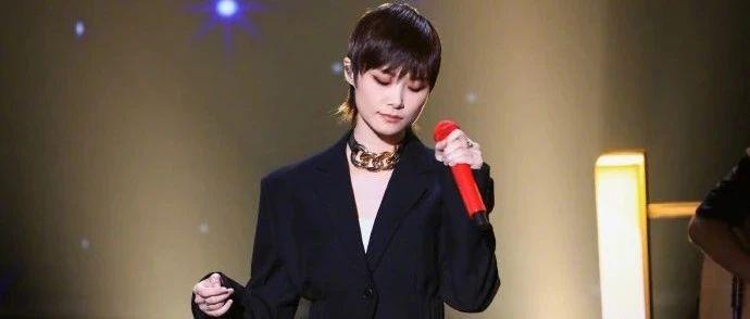 「正因为李宇春是女性,这个人物才有意思」