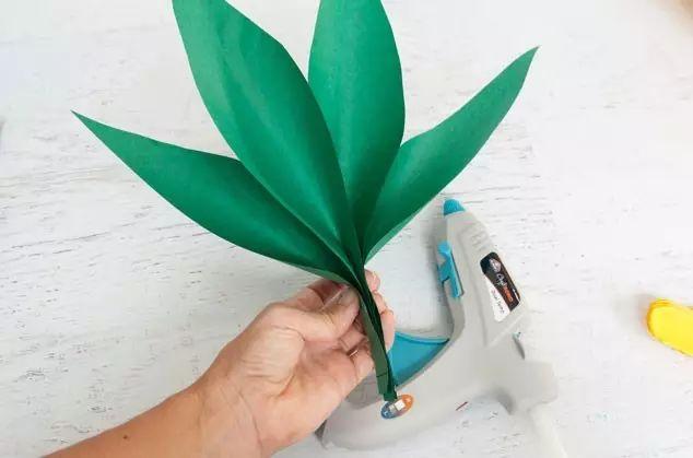 幼儿园皱纹纸手工制作--烟台江水平装修队