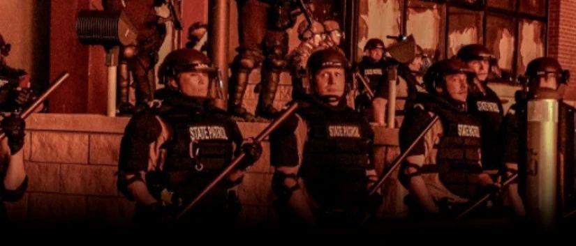 特朗普出动军队镇压暴乱,LV苹果店被抢,CNN被砸,焚烧美国国旗…