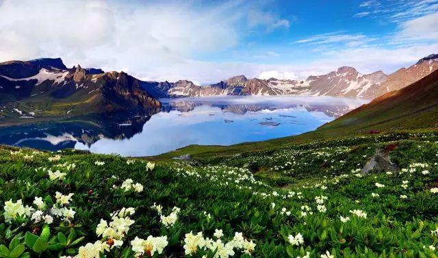 夏天的长白山究竟有多美?