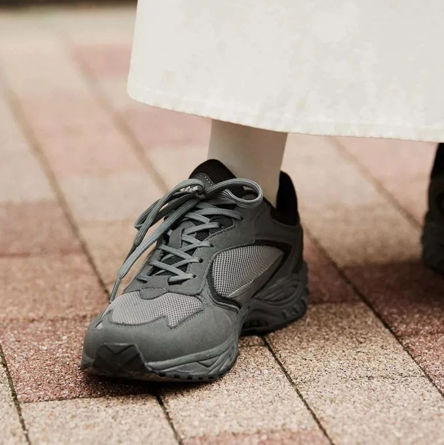 出来行走江湖的MOONSTAR,靠的不只是帆布鞋丨《每周冷门球鞋大赏》