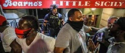 一个黑人的死亡,33个城市的动荡
