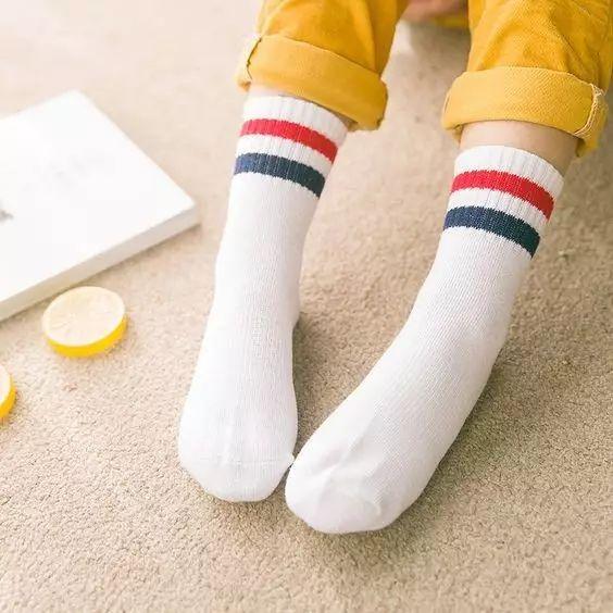 太神奇了!洗白袜子只需涂点这个,冲一下立马跟新的一样!