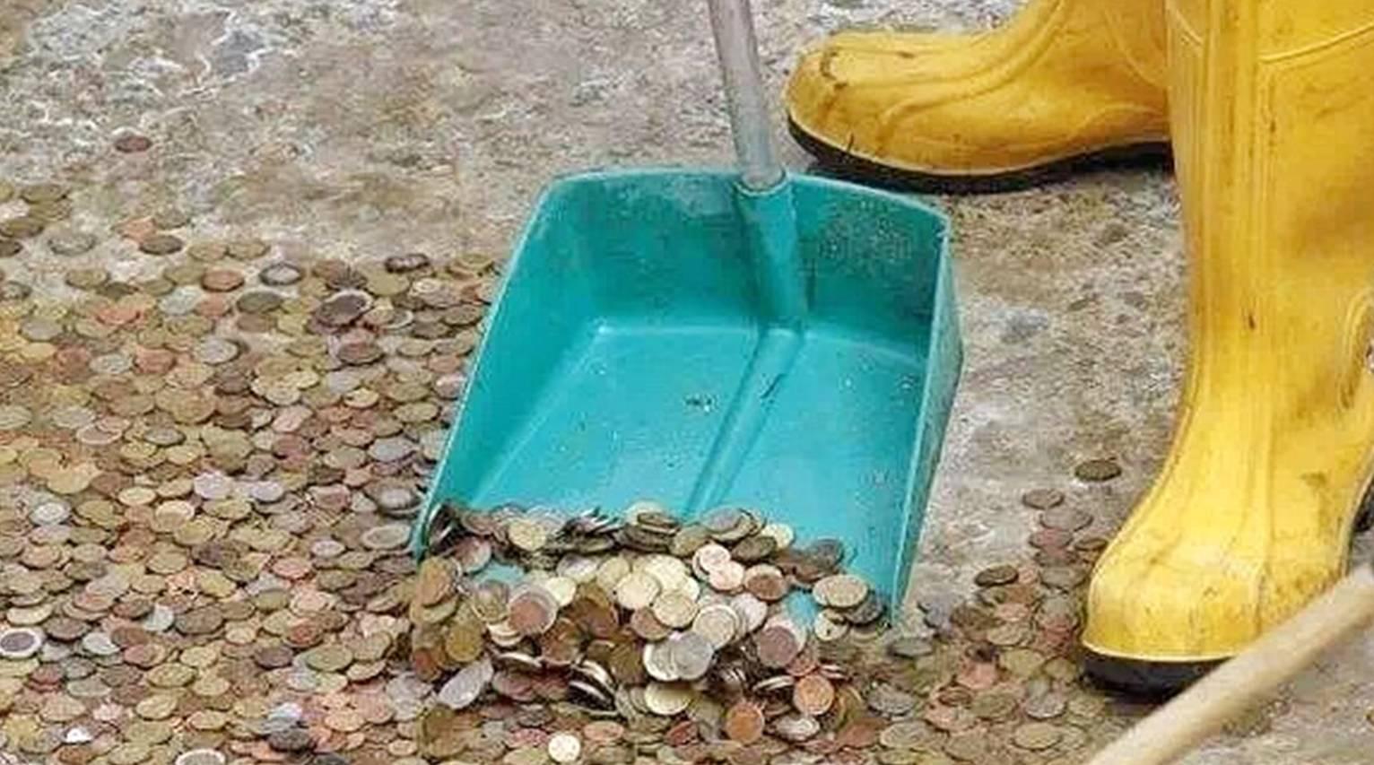 """扔硬币就能过好这一生?别再让文物古迹成为""""许愿池""""!"""
