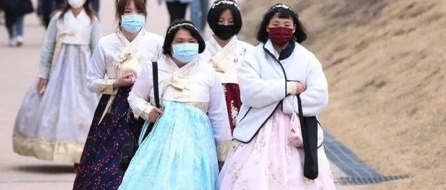 """""""求求韩国别来扒拉青岛人民。"""""""