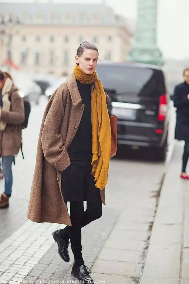 ✅2016年圍巾流行這樣搭,難怪那麼漂亮!