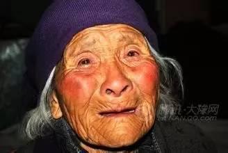 兒子燒給母親的祭文,看哭了13億中國人!