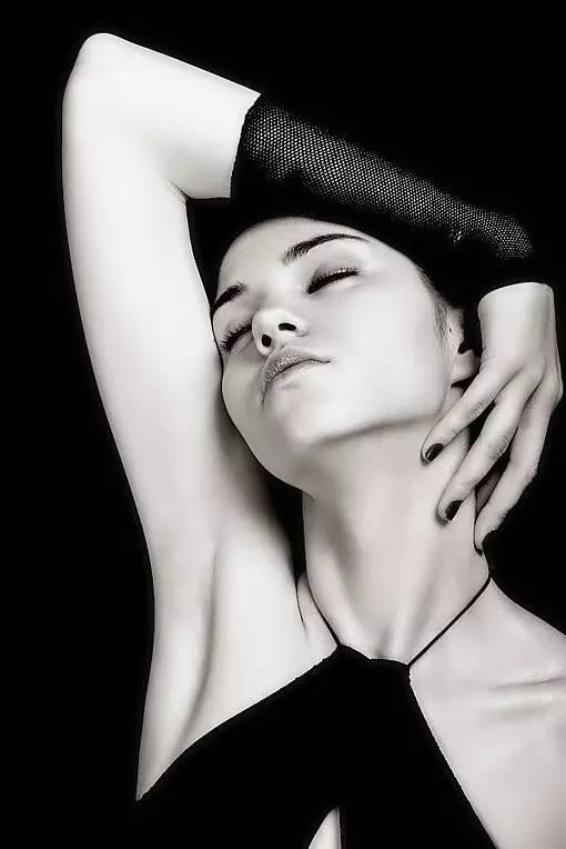 23幅女性黑白肖像,每一张都是经典中的经典