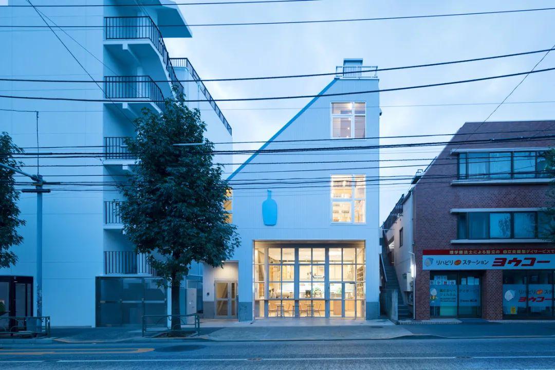 """叫板星巴克!日本""""网红""""设计师,把老厂房改造成咖啡馆,价值47亿,吸引千万人打卡!"""