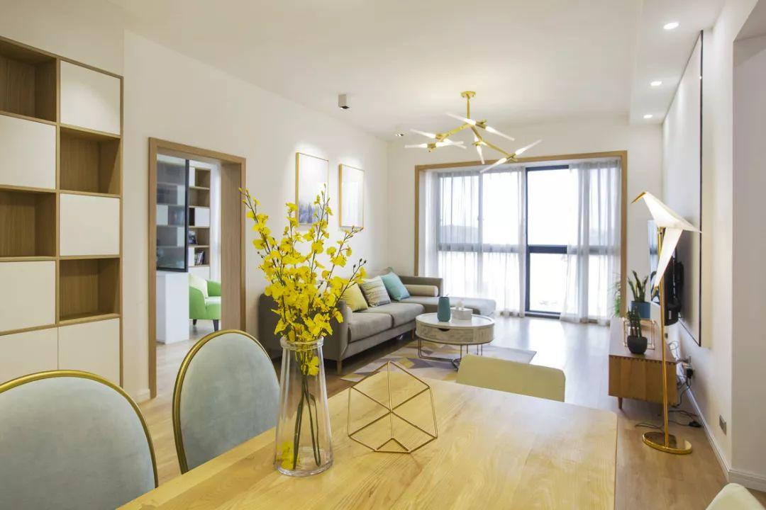 110㎡北欧风三居室简约清新超实用,酒柜收纳和整体衣柜设计超赞!