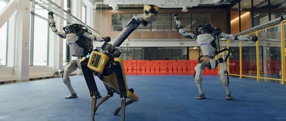 机器人成精大秀舞姿,你PICK谁?