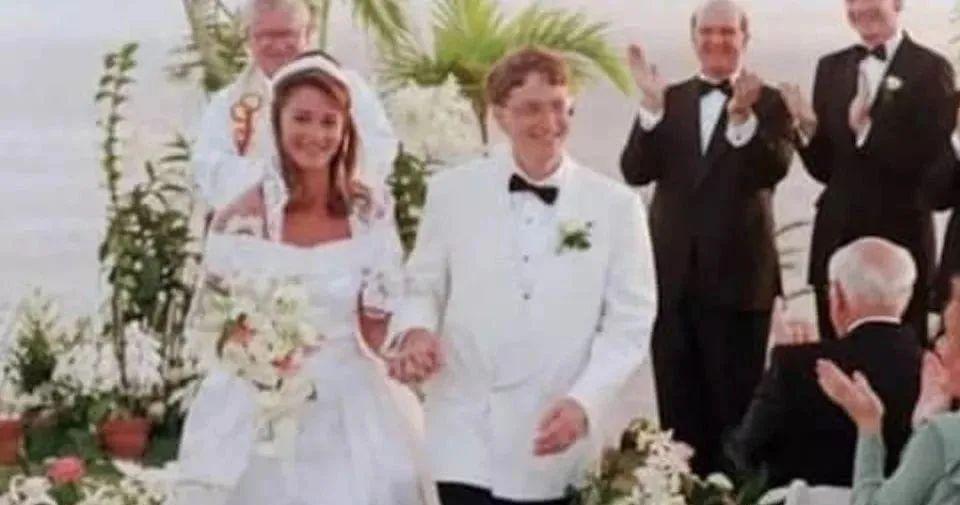 如何看待比尔盖茨夫妇在60多岁结束27年的婚姻?
