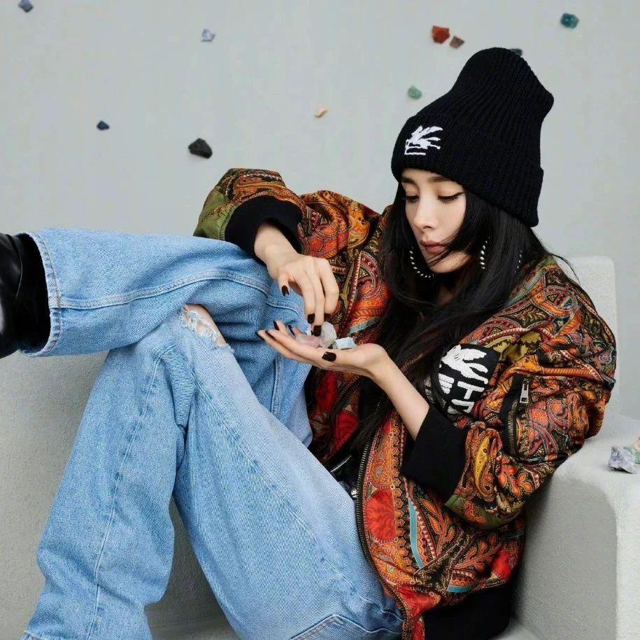 扒品牌   最近的杨幂我爱了,她怎么越来越会穿了?