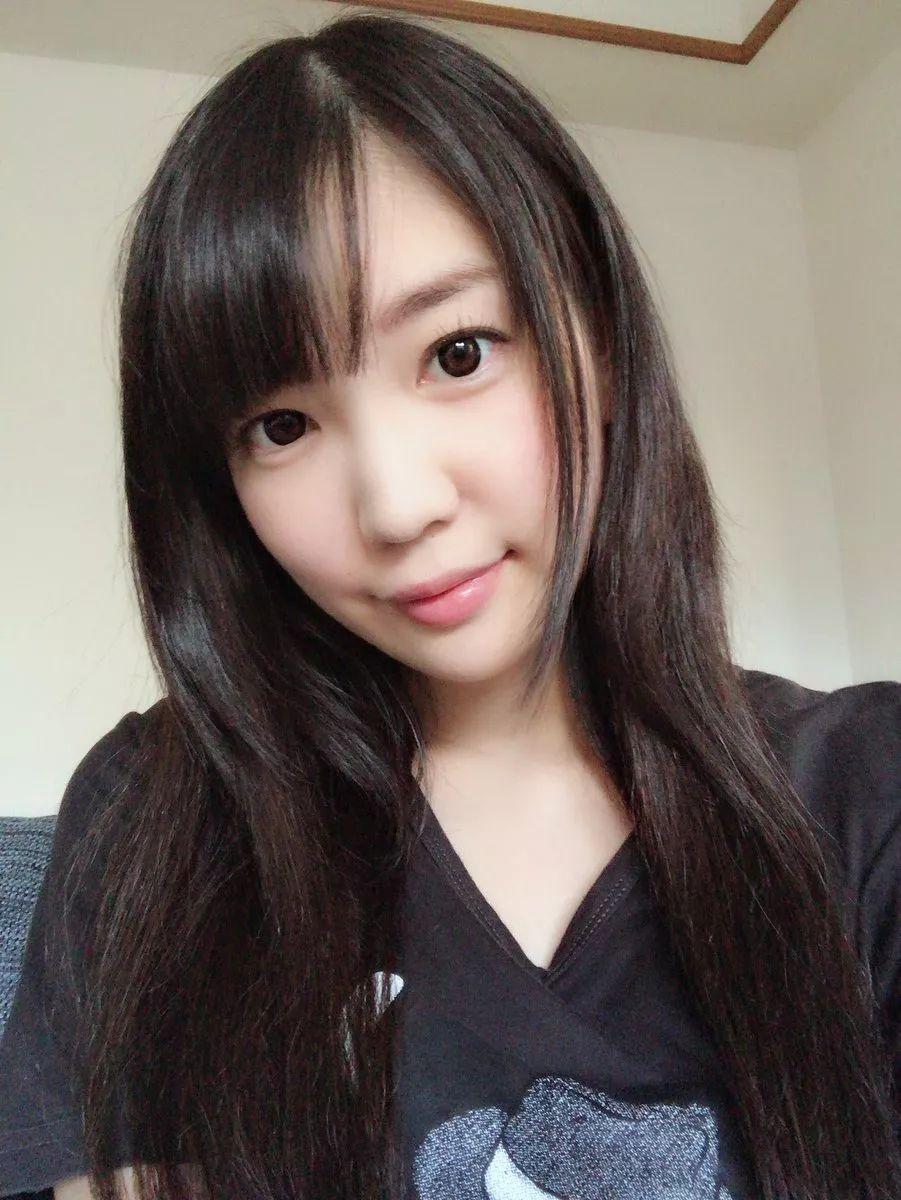 春骚女露脸自拍_霓虹:悲报,铃木心春引退