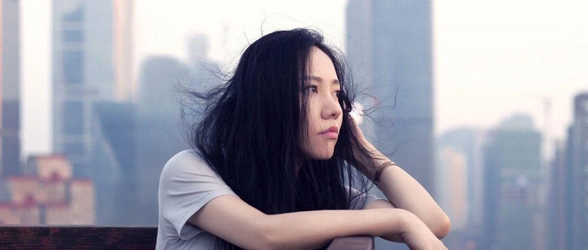 既然来不及认真地年轻过,就〈认真地老去〉张希&曹方/尤克里里弹唱教学谱+吉他谱