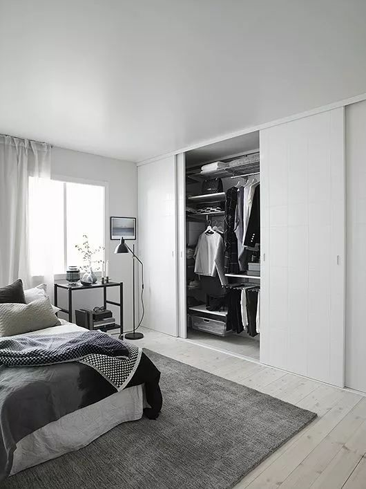 """还在买衣柜?现在最流行""""挖墙""""装衣橱!"""