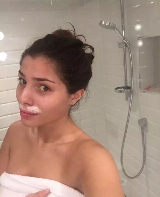 24歲網紅模特發素顏照,竟被公司嫌醜遭解約!