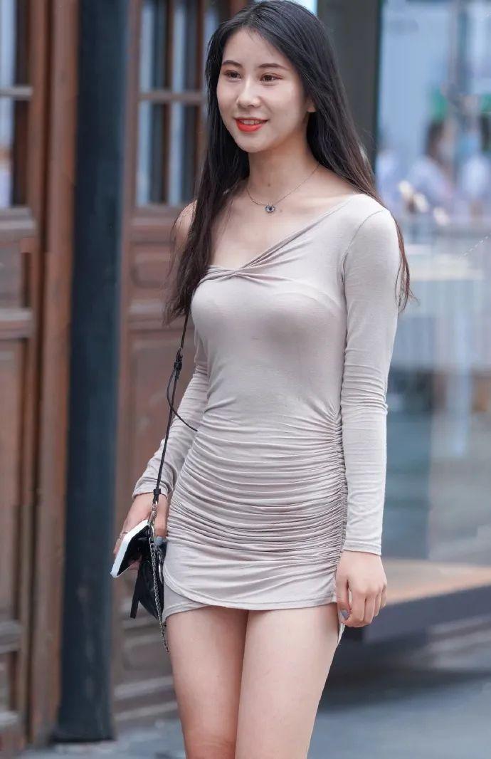 美美的,大长腿的性感靓丽小姐姐