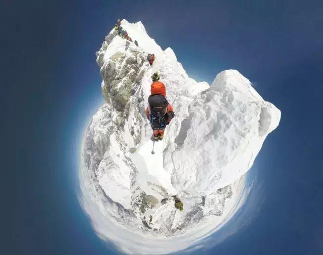 登上珠穆朗瑪峰,你究竟會看到什麼?