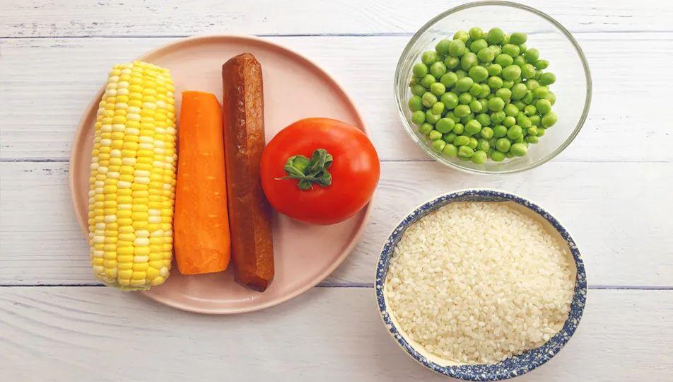 大米里加1个西红柿,菜饭一锅出,太香了,孩子天天嚷着吃!