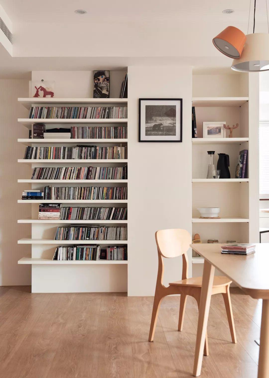 书房现在已经落伍啦,现在都流行做个书墙