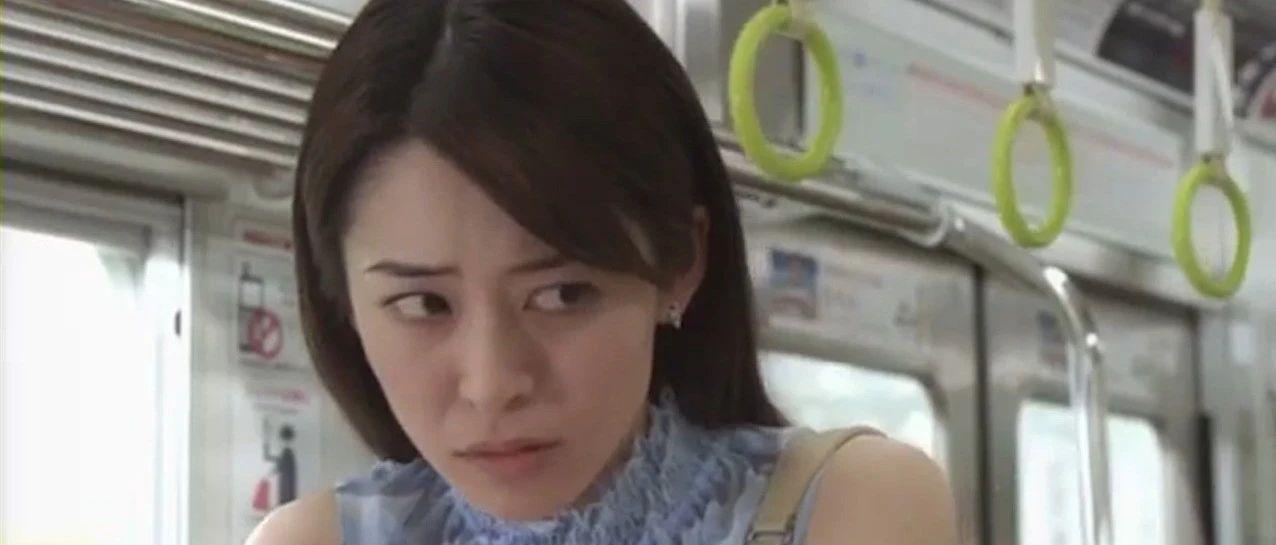 笑尿了!朋友圈刷屏视频:日本电车上发生的神奇一幕