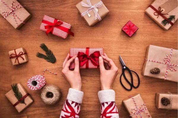 比年終帳單更可怕的,是你男朋友送你的禮物……