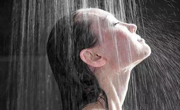 毀掉你健康的正是這些好習慣:早上洗澡、多吃水果...