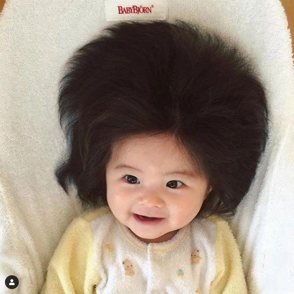 日本那个刚出生就靠发量爆红网络的小女孩长大啦!颜值喜人,网友:想组队偷孩子...