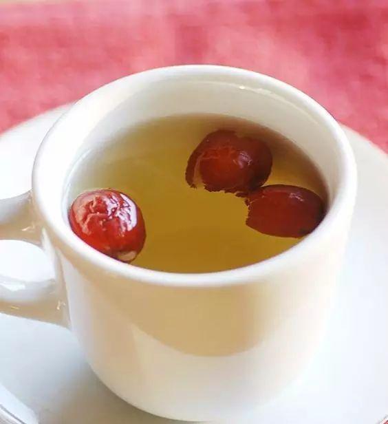 【實用】別再喝白開水了,這樣做美容又健康,比燕窩還養人!