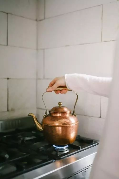 【實用】抹布再臟也不怕,只要加點這個,不用洗也能瞬間變乾淨!