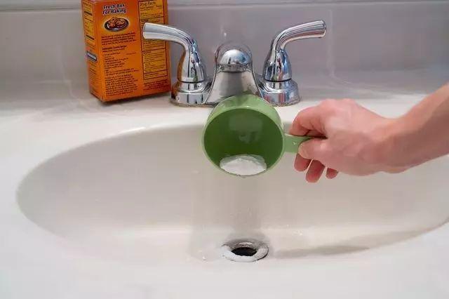 【實用】在廁所劃一根火柴,一分鐘後驚呆你!