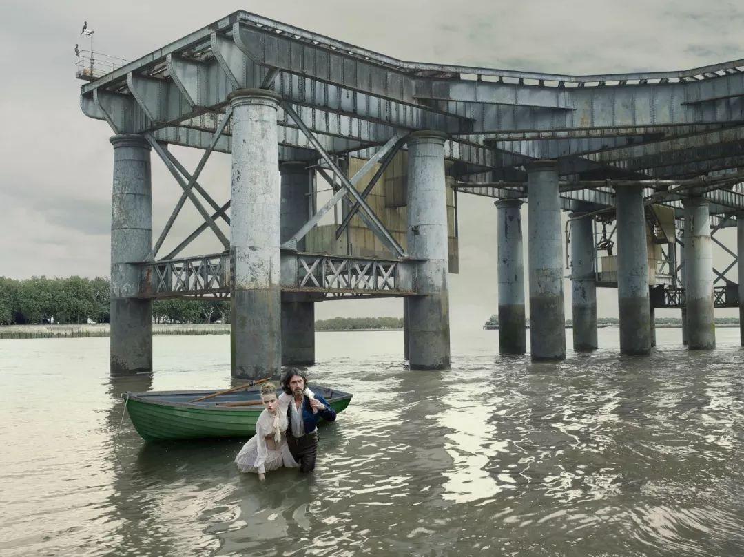 对一条河流的迷恋:泰晤士,Julia Fullerton-Batten摄影作品   图片里的国度