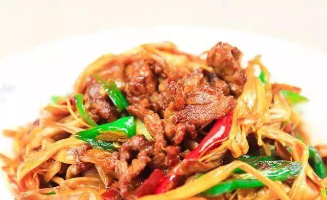 教你一道小炒肉做法,地道家常口味,又脆又嫩特别香