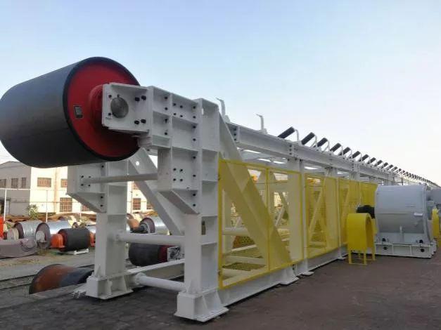 国内首套高效拆装式无基础可伸缩带式输送机问世