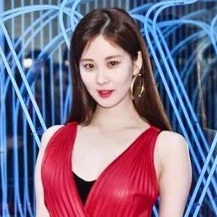 韩流照妖镜 | 她太适合红色惹!安喜延历代级的服装灾难来了…